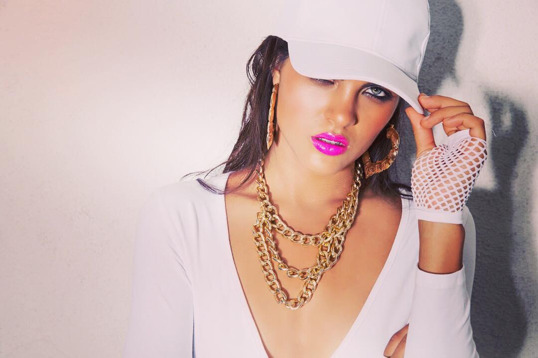 What do you think? Is her #whiteandgold game on point? With @scottbarnes68 #scottbarnes #makeupartist @frankgalasso1 #frankgalasso #hairstylist @aliciaruelas #model @tjunqueira #creativepartner @jameshickeystudio #losangelesfashiondesigner #mayfair #picoftheday #fashionista #hot #HouseofHickey #palmsprings